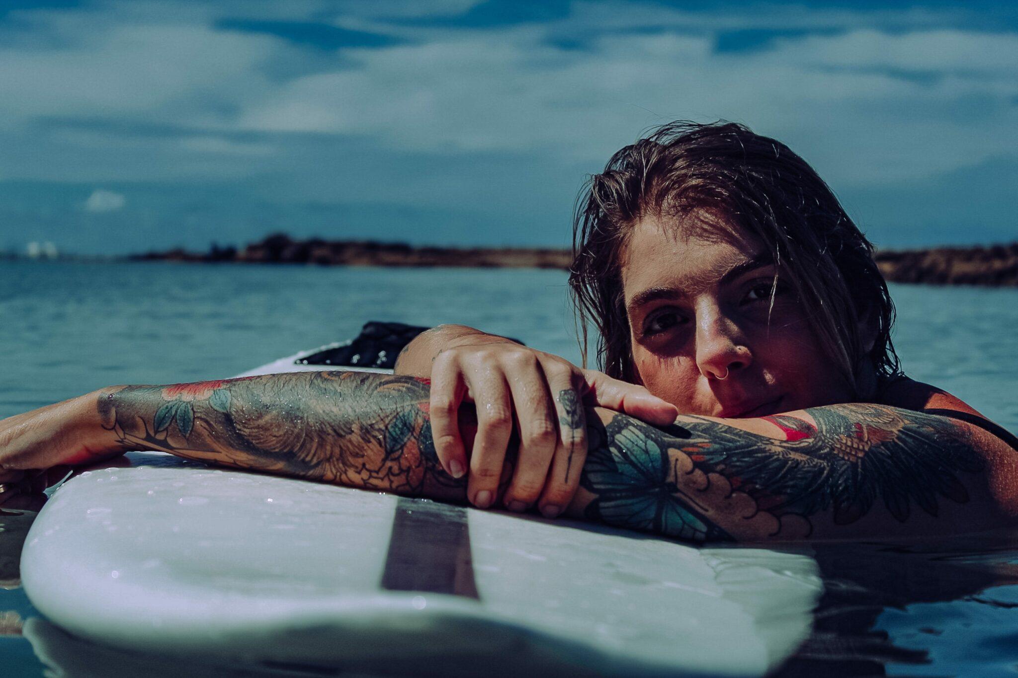 surf feminin WSL sophie gold