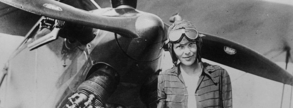 L'aviatrice Amelia Earhart, Certains l'appelaient « Lady Lindbergh »…