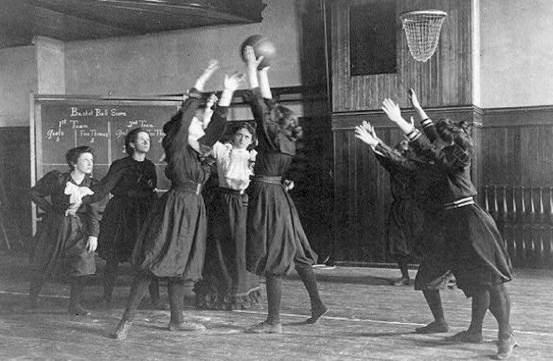 Senda Berenson, celle qui a conjugué le basket au féminin