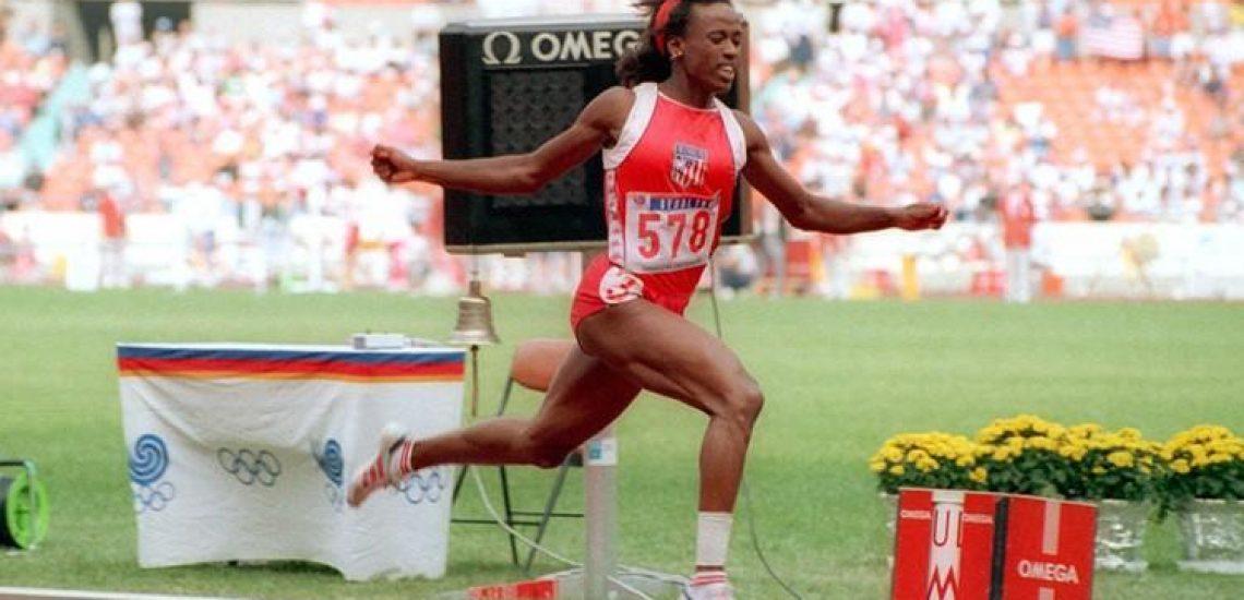 13 août 1987 Jackie Joyner-Kersee égale le record de saut en longueur de sa plus grande rivale