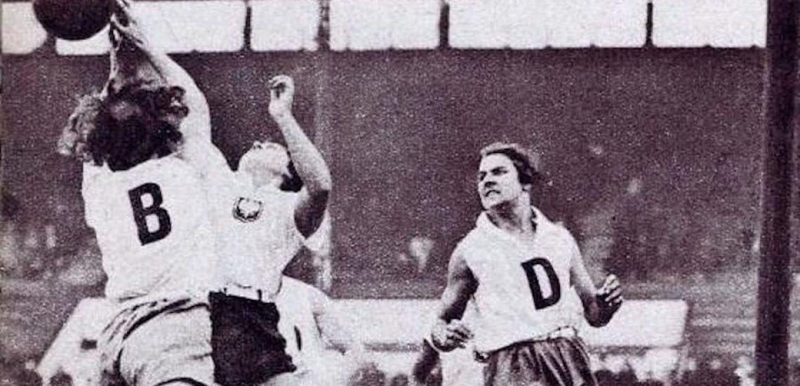 Août 1934, aux Jeux Mondiaux féminins, l'équipe de France de basket remporte le championnat du monde basket