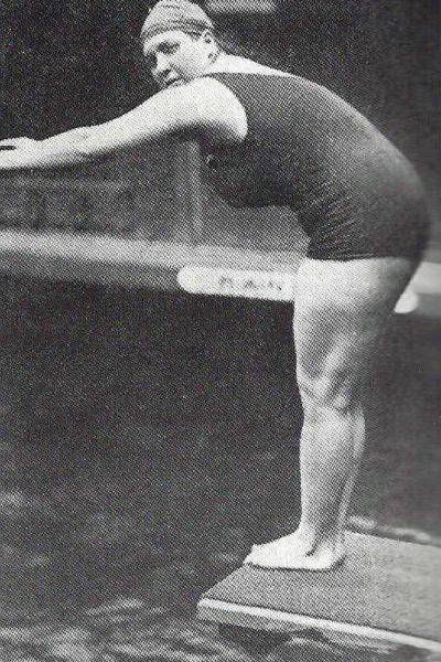 Violette_Morris_au_plongeoir_(1920)